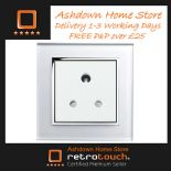 Black/White Glass Plug Sockets 5 Amp
